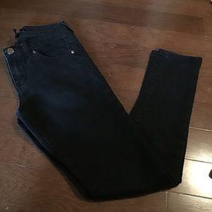 Forever 21 black skinny jeans 24